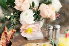 Desayunos post boda cama flores
