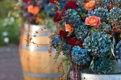 Ideas para decorar una boda en otoño flores barril
