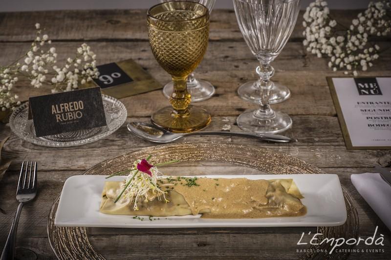 Canelón de pato a la japonesa con salsa de foie