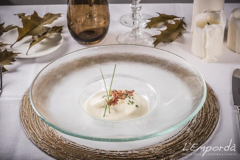 Huevo poche con emulsión de Parma y panceta crujiente