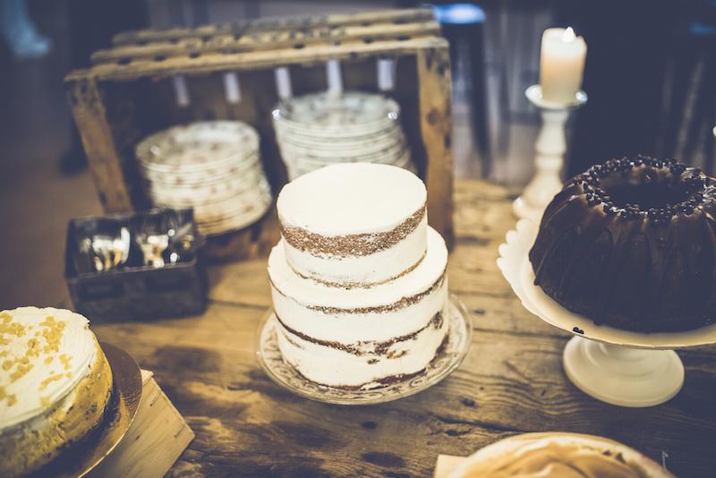 Cumpleaños boho pastel naked cake