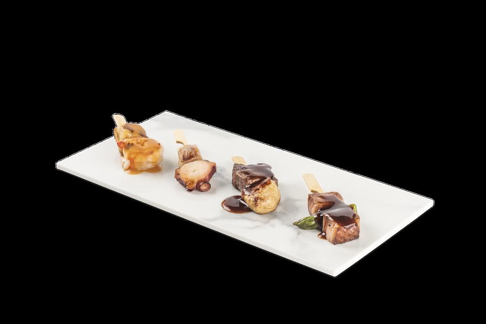 Rape con gamba y salsa marinera – Pulpo con panceta confitada – Solomillo con foie y salsa Oporto – Pato con espárragos