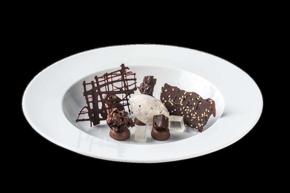 Chocolate en texturas con anís estrellado y gelatina de palo cortado